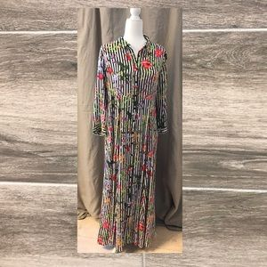 Philosophy maxi *with pockets* size 14